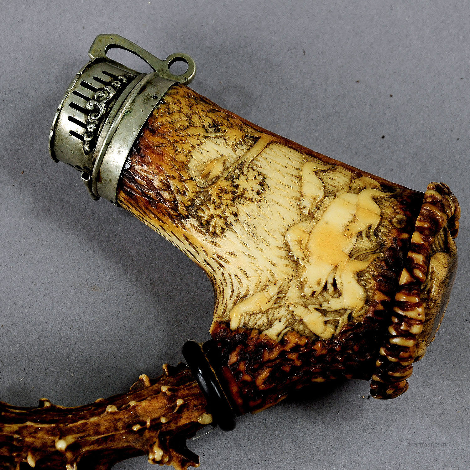 Great Carved Horn Hunters Pipe