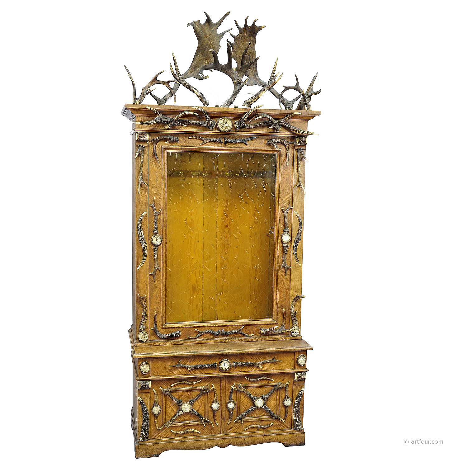 fantastic oak wood gun cabinet with antler decoration ca. 1900 - Online For Sale: An Antique Antler Gun Cabinet