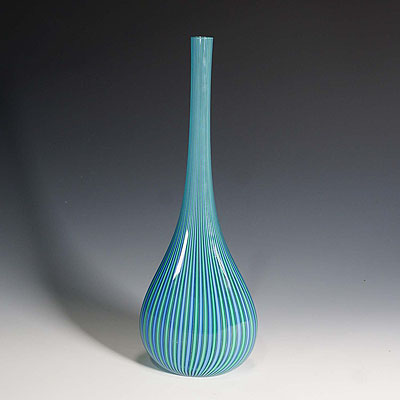 image of a large vetrarti filigrana glass vase, murano ca. 1980
